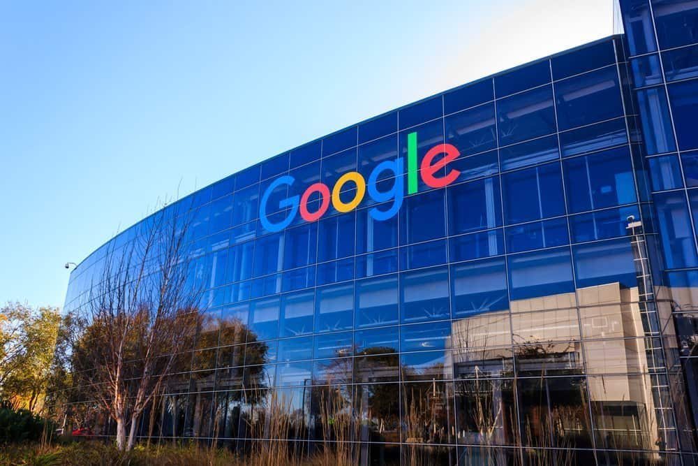 Google's AI-powered Smart Reply simplifies collaboration on Docs